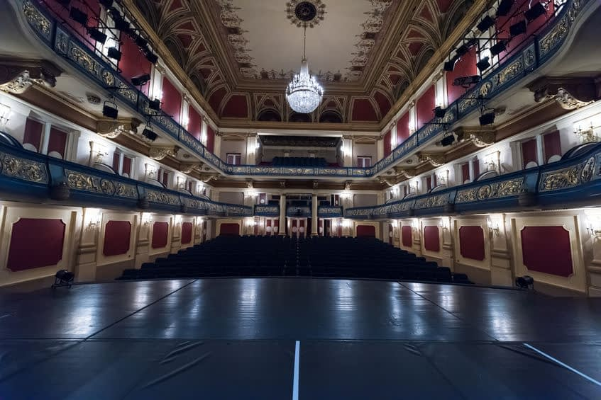 Theater Void Takes Center Stage